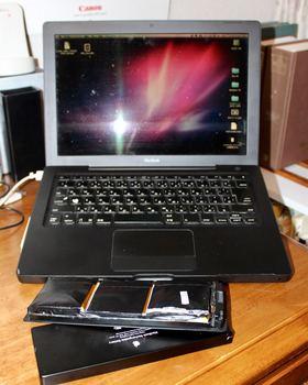 MacBook Intel(初代)_リチウムバッテリー_膨張-2.jpg